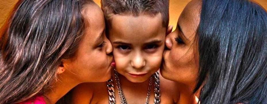 Com 6 anos, MC Vilãozin quer ser o novo astro do funk ousadia