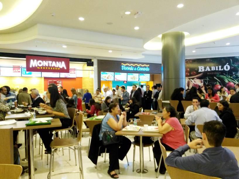 Mais do mesmo: a praça de alimentação no terceiro piso do Shopping Cidade São Paulo