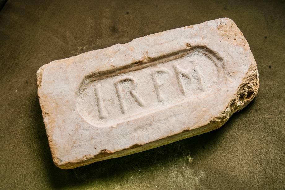 """A obra para a construção do complexo contou com episódios dignos de uma escavação arqueológica. """"Encontramos tijolos com as inscrições IRFM, de Indústrias Reunidas Fábricas Matarazzo, e guardamos em nosso escritório, pois trata-se de uma relíquia com mais de 100 anos"""", conta Rej man"""