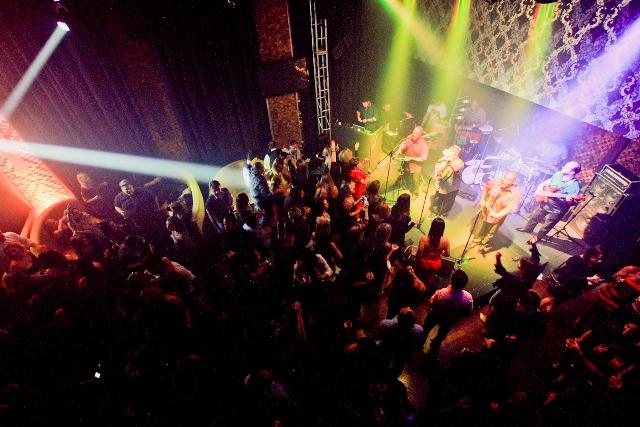 Le Pigalle: palco para receber shows nos moldes da Passatempo