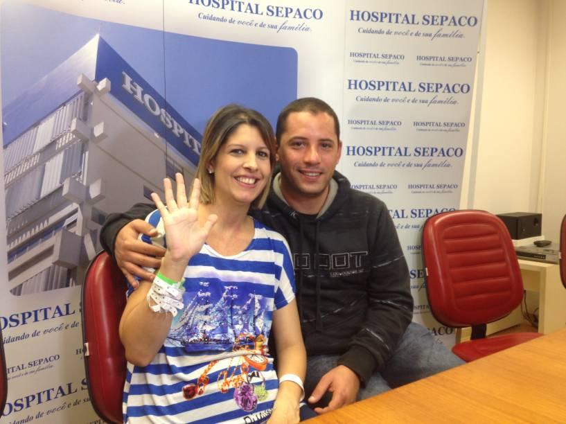 """Karina Barreiras e Júnior dizem que cinco agora é """"número da sorte"""""""