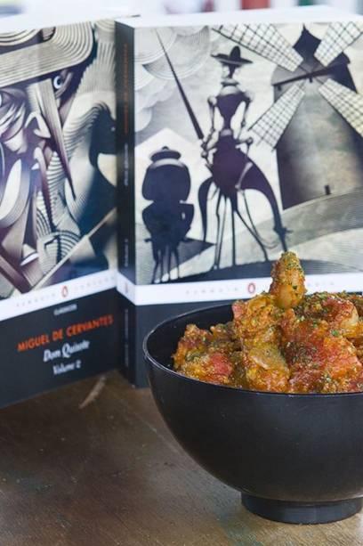 Dom Quixote: prato inspirado no livro é feito com ovos fritos e torresmo (R$ 15,00)