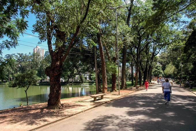 visitantes-no-parque-da-aclimacao.jpeg
