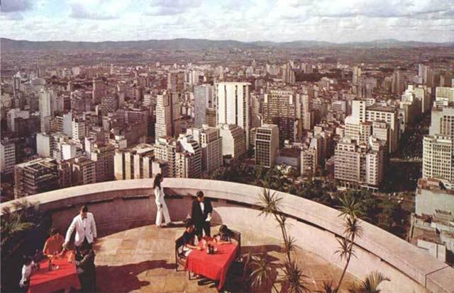 Terraço Itália: ainda sem o 42º andar, as mesas ficavam em área aberta