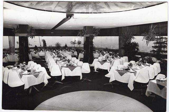 Terraço Itália: salão vermelho na época da inauguração