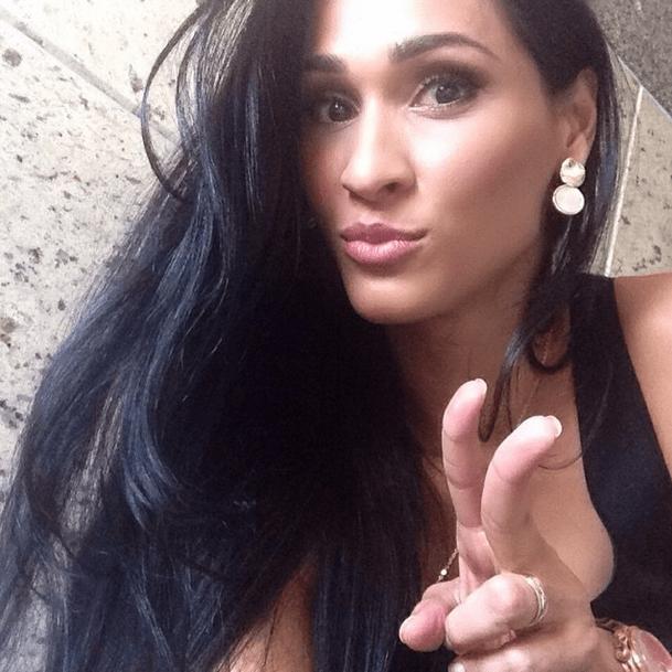 Nas redes sociais de Jaqueline Endres, é possível ver várias selfies da atleta
