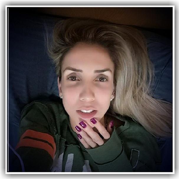 Thaísa Menezes costuma publicar fotos de momentos descontraídos