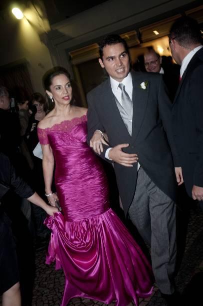 Thomaz com a mãe, Lu Alckmin, no dia de seu casamento