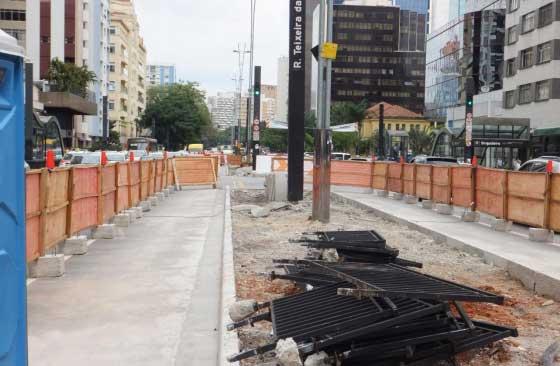 Trecho da Avenida Paulista perto da Rua Carlos Sampaio