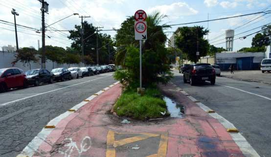 Ciclofaixa da Avenida Torres de Oliveira