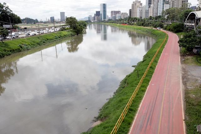 Ciclovia Rio Pinheiros: mais de 20 quilômetros de via