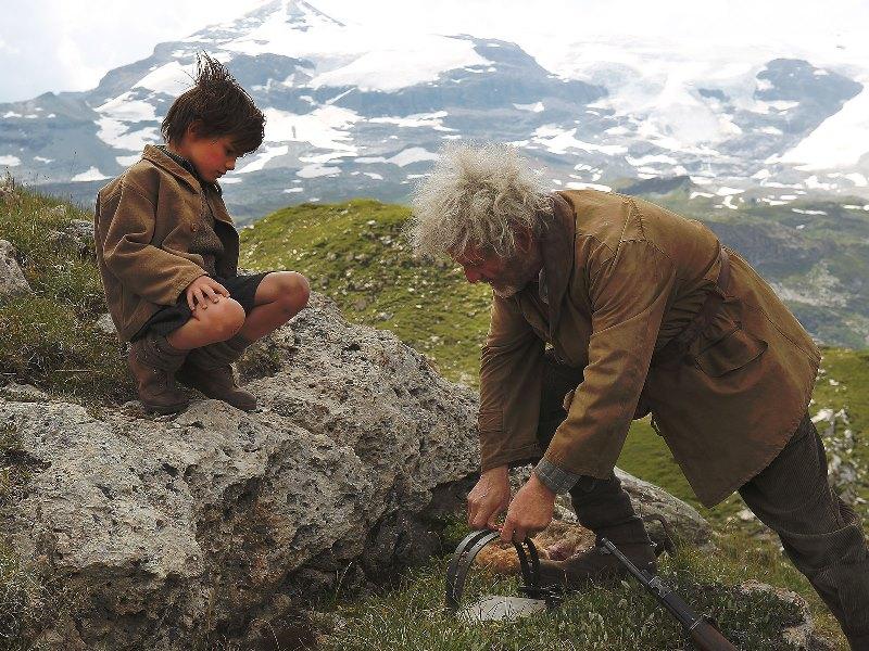 Belle e Sebastian: durante a Segunda Guerra Mundial, nos Alpes