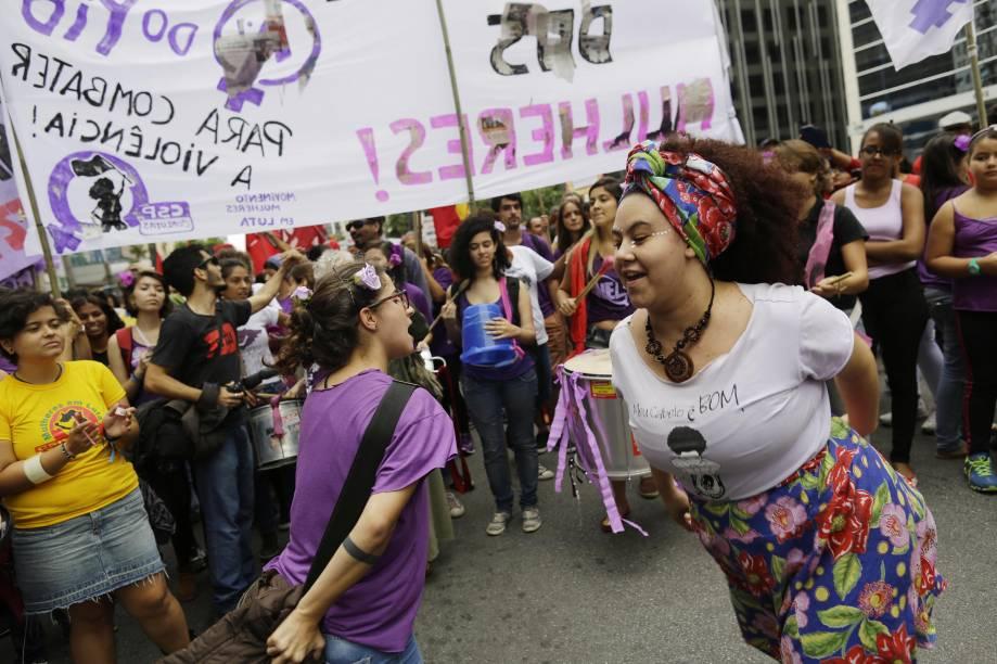 Mulheres exigem fim da violência e respeito em ato na Avenida Paulista