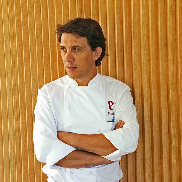 O chef espanhol Francis Paniego: tradição familiar de comer e hospedar bem