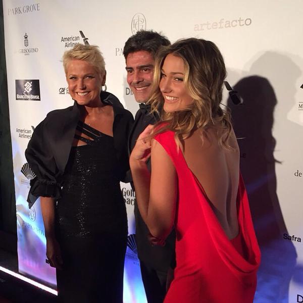 Sasha e Xuxa durante o baile de gala da Brazil Foundation em Miami