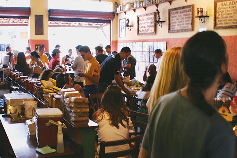 O Mocotó, sucesso na Vila Medeiros: comida nordestina