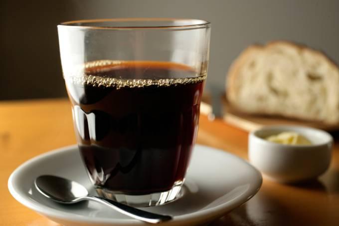 cafe-puro-coado-na-v60.jpeg