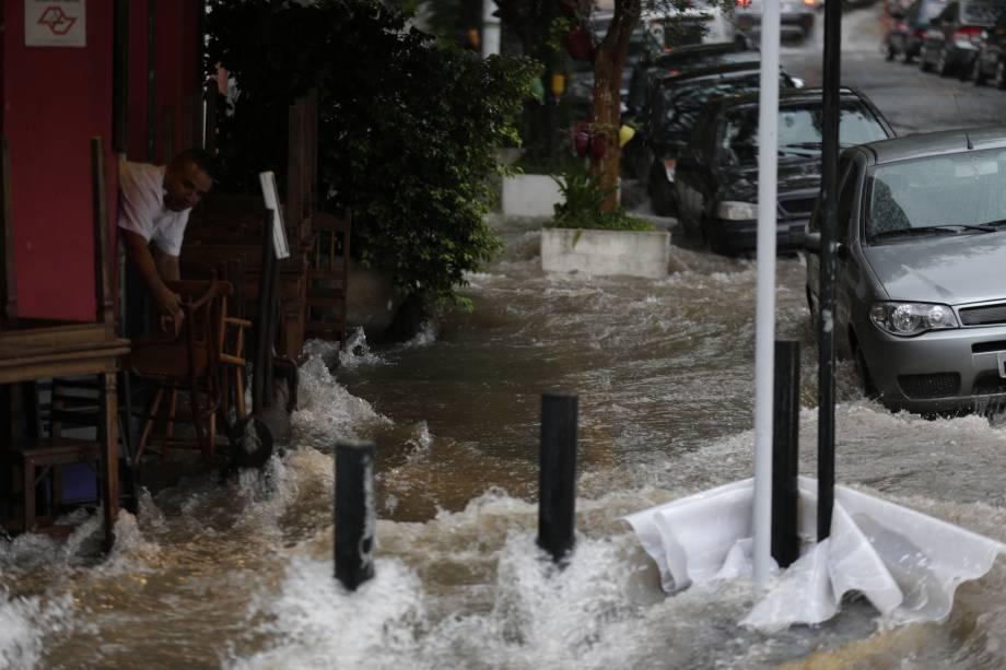 Rua Wisard, na Vila Madalena, na Zona Oeste de São Paulo, nesta quarta (25)