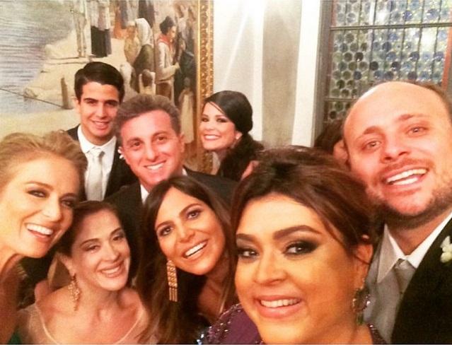 Selfie de Carol Sampaio, Preta Gil, Huck e Angelica