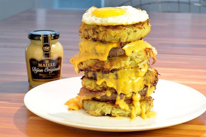 3brasseurs_hall-of-fame_tres-hamburgueres-de-picanha-de-180g-cada-quatro-batatas-rosti-bacon-defumado-tomate-molho-cheddar-e-ovo-frito_r-46.jpeg