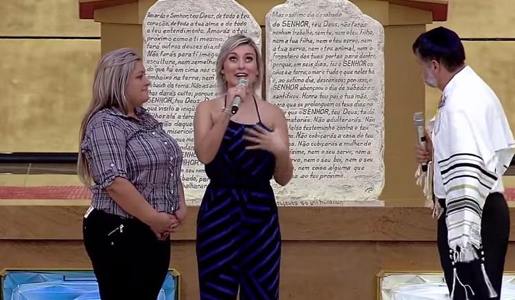 Andressa Urach deu seu testemunho no Templo de Salomão