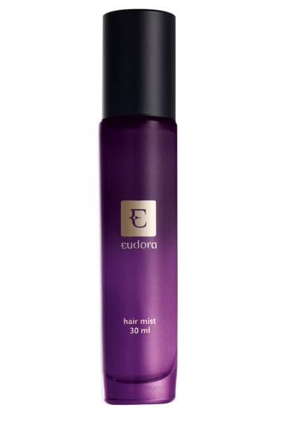 Perfume para os cabelos, da Eudora. Retira o odor causado por poluição, cigarro ou fritura e deixa os cabelos mais macios e sem frizz, aquele efeito de fios arrepiados. Preço sugerido: 64,90 reais