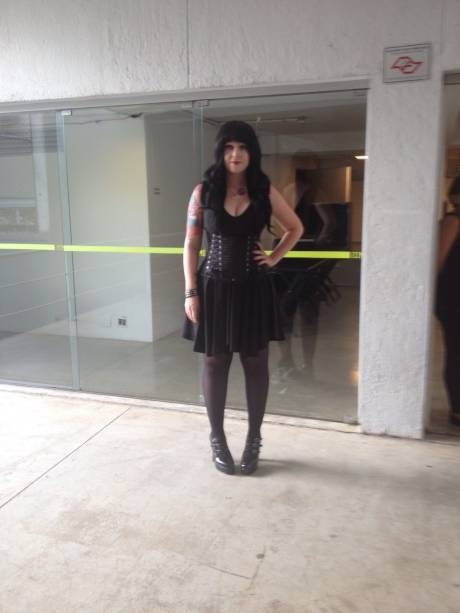 Mariana Estrella, de 24 anos, empresária: look dark