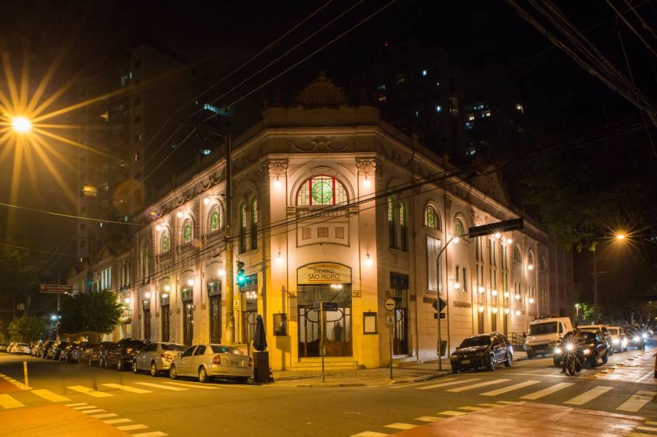 A fachada do Teatro São Pedro, na estação Marechal Deodoro
