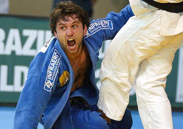 strong>João Derly</strong>: em 2002, o bicampeão mundial foi flagrado após usar um diurético para acelerar a perda de peso. Como punição, o judoca recebeu seis meses de suspensão.