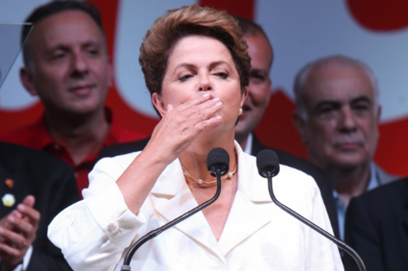 """Reajam aos boatos, levem a posição do governo à opinião pública. Sejam claros, sejam precisos, se façam entender"""" - Dilma Rousseff, presidente, mandando recado aos seus 39 ministros"""