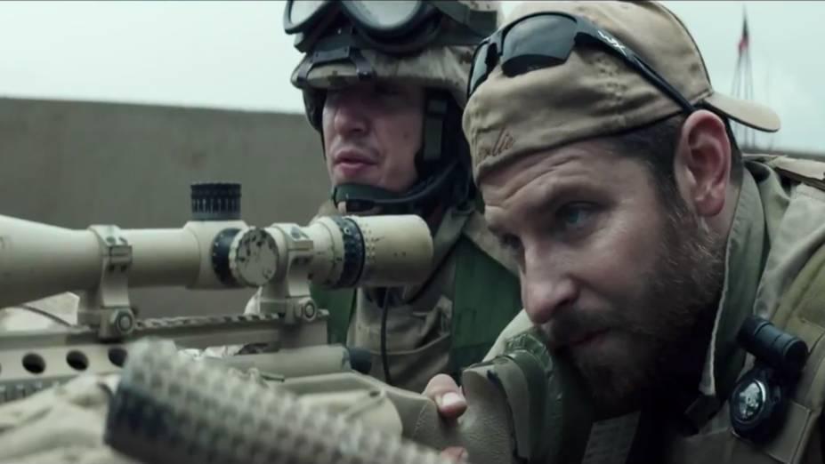 Cena do filme American Sniper, com Bradley Cooper