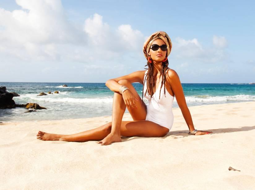 Aprenda a usar looks na praia e na cidade