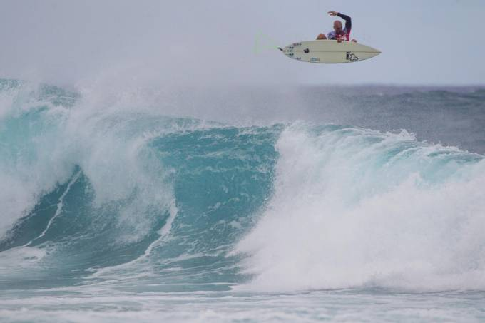 pipeline-mundial-surfe-kelly-slater-asp-laurent-masurel.jpeg