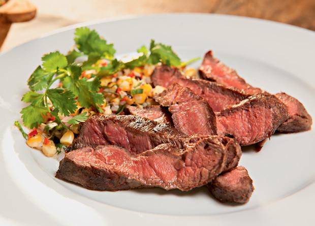 flatiron-steak-na-chapa-com-manteiga-de-tutano-triciavieira-feed-_mg_4420-jpg-1.jpeg