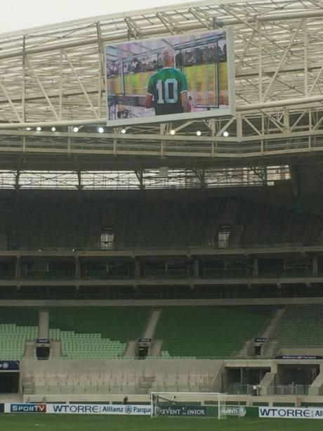 Detalhes do estádio:o telão é o maior da América Latina, com 103 metros quadrados