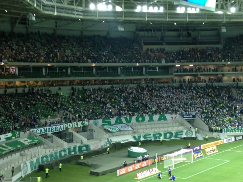 Mais de 35 000 pessoas foram ao estádio