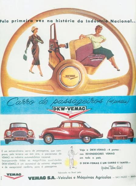 DKW: carro de quatro portas para seis passageiros
