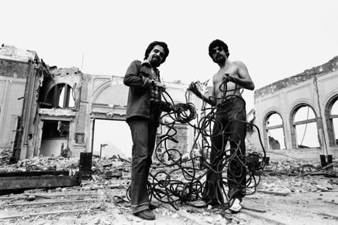 paulo-coelho-e-raul-seixas-parceiros-musical-amicucci-gallo-1976.jpeg