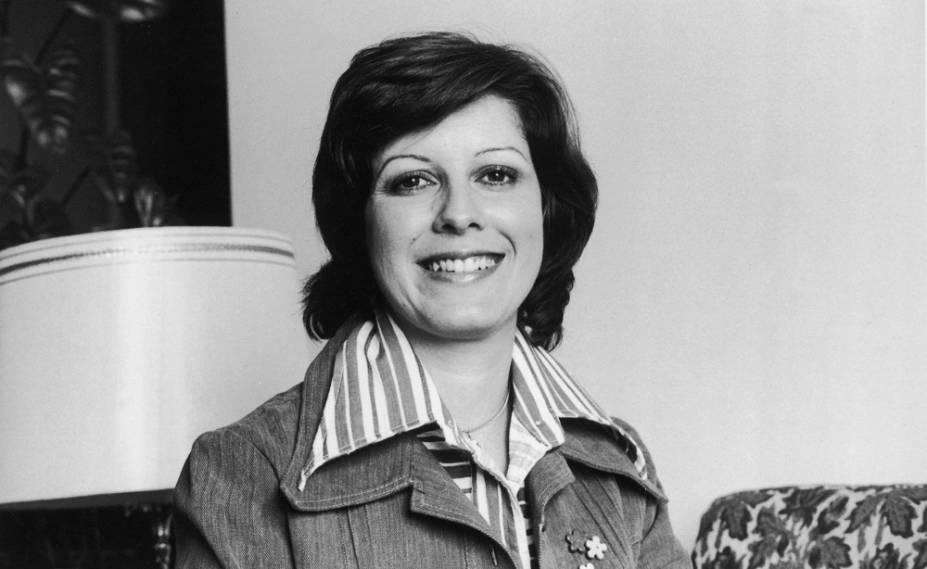 Ela abandonou a carreira aos vinte anos, mas foi o suficiente para se tornar nada menos que a precursora do rock no Brasil. Em 1959, Celly Campello estourou com <em>Estúpido Cupido</em>, versão de <em>Stupid Cupid</em>, na época um hit na voz de Connie Francis. Três anos mais tarde, ela se aposentou por causa do casamento com o contador Eduardo Gomes Chacon. Morreu de câncer em 2003, aos 61 anos.