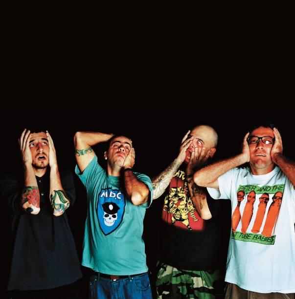 O movimento punk se espalhou por São Paulo no início dos anos 1980 com bandas como Olho Seco, Cólera e Inocentes. Da vertente do hardcore, os mais conhecidos são os Ratos de Porão, cujo vocalista, João Gordo, se tornou apresentador de TV.