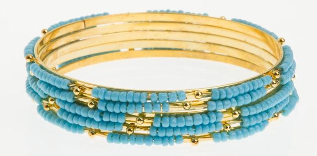 Paris Bijoux: jogo de cinco pulseiras turquesa (R$ 1,50)