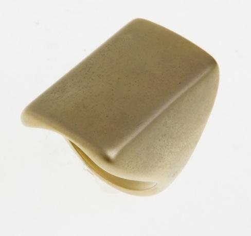 Paris Bijoux: anel dourado fosco (R$ 8,74)