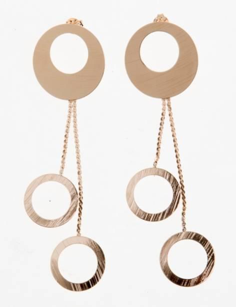 Paris Bijoux: brinco com argolas penduradas (R$ 12,60)