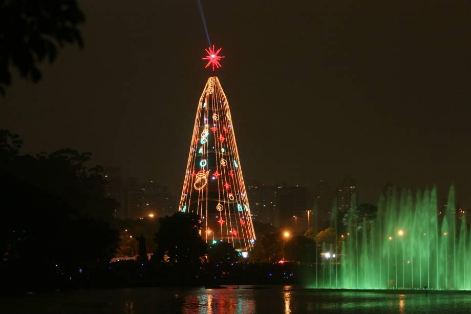 Natal Iluminado - Árvore do Parque do Ibirapuera em 2009