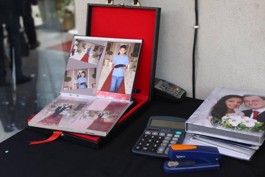 Logo depois da cerimônia, os noivos podem comprar um álbum de fotos