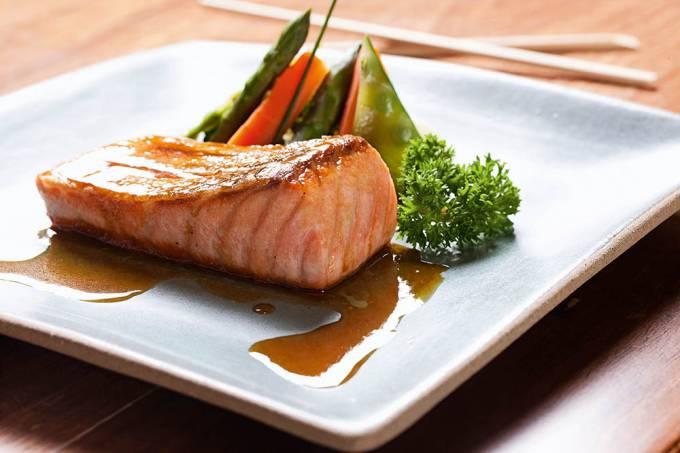 salmao-ao-molho-de-laranja-preparado-por-juraci-pereira-sushiman-e-dono-do-res.jpeg