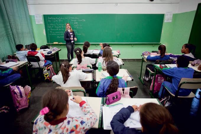 02-aula-em-escola-municipal-rodrigo-capote_folhapress.jpeg