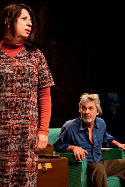 Com Roza Grobman, sua mulher, numa cena: casal também na peça Mente Mentira (2010)