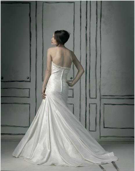 Na Black Tie: vestidos de noiva por a partir de R$ 500,00