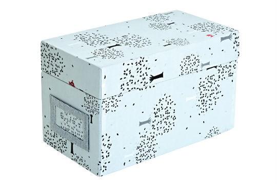 Caixa de tecido para guardar CDs, R$ 80,00. La Spina, Rua Aspicuelta, 35, Vila Madalena, tel.: 3815-5277, www.laspina. com.br.